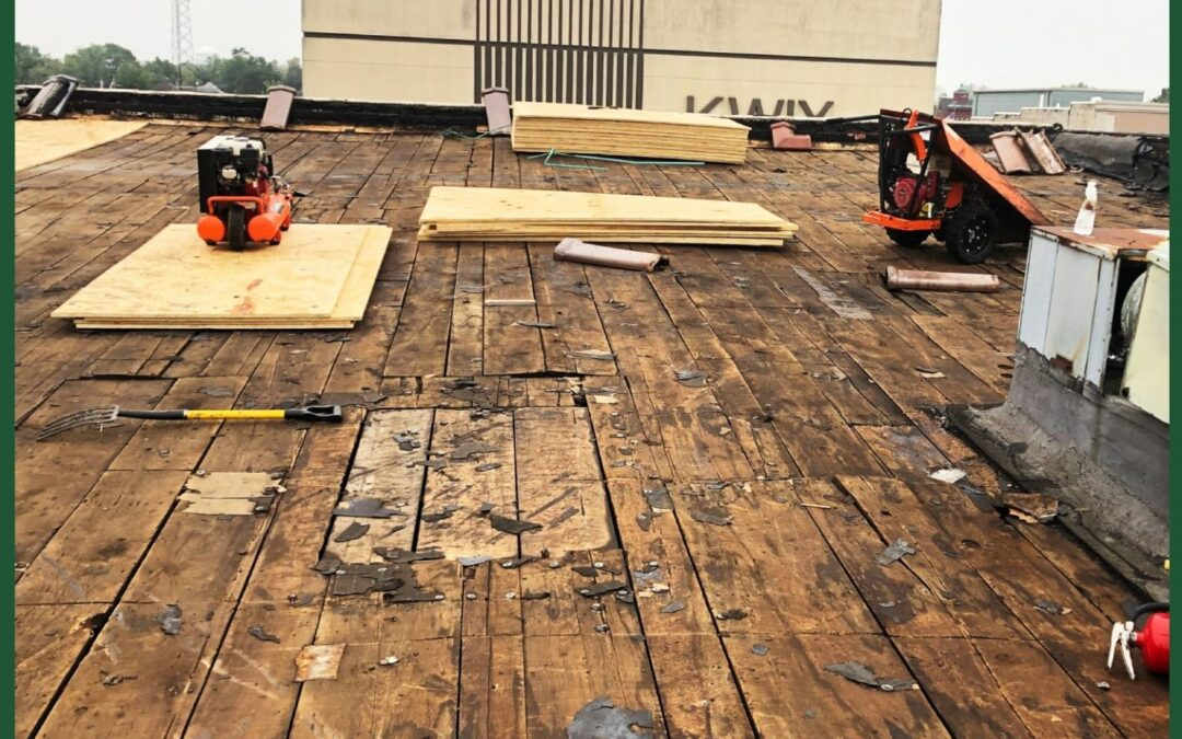 Repair or Replace? Finding the Right Commercial Roofing Solution